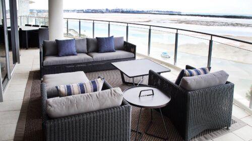 blue-beachfront-apartment-interior-design (9)