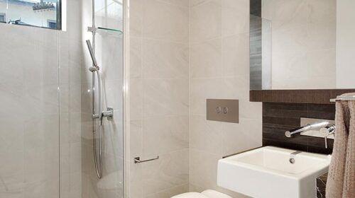 dicky-beach-bathroom (5)